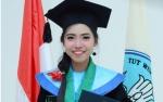 Putri Pemanen Sawit Ini Jadi Lulusan Terbaik di Politeknik