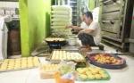 Ini Jenis Kue yang Diproduksi 300 Kg Sehari Jelang Lebaran di Kuala Pembuang