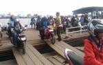 Kapolsek dan Koramil Cek Feri Penyeberangan Hampatung Pastikan Keamanan Mudik Lebaran