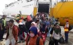 Arus Balik Lebaran 2019, Ribuan Pemudik Tiba di Pelabuhan Kumai