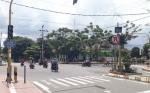 Lampu Lalu Lintas di Perempatan Jalan Hasanundin Mati karena Tersambar Petir