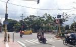 Lampu Lalu Lintas Mati di Perempatan Jalan HasanuddinSudah 2 Hari Belum Diperbaiki