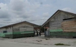 Ulangan Semester SDN 1 Ujung Pandaran Harus Tunggu Hujan Reda Akibat Atap Sekolah Bocor