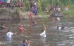 Bupati Barito Timur Harapkan Festival Menombak Ikan Jadi Agenda Tahunan