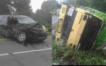 Minibus dan Truk Bertabrakan di Tikungan Tajam Jalan Lintas Pulang Pisau