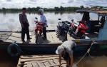 Ini Imbauan Anggota Polsek Pulau Petak kepada Nahkoda dan Penumpang Feri Penyeberangan