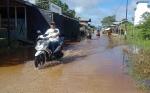 Banjir Genangi Kawasan Pasar Desa Bahitom