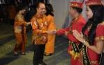 Bupati Memotivasi Kontingen Festival Budaya Isen Mulang Kapuas
