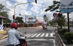 Arus Lalu Lintas di Simpang Empat Sampuraga Lancar setelah Rambu Lalu Lintas Diperbaiki