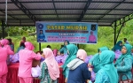 Camat Basarang Apresiasi Bhayangkari Polres Kapuas Adakan Pasar Murah