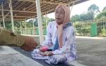 Nenek 76 Tahun Bisa Berangkat Haji Setelah 10 Tahun Menunggu