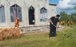 HUT Bhayangkara, Kapolres Kotawaringin Timur Pimpin Bersih-bersih Rumah Ibadah di Sampit