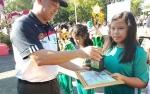 Sekda Kalteng Serahkan Piala Lomba Mewarnai di Hari Lingkungan Hidup Sedunia