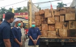 Dua Sopir Truk Ini Ditangkap saat Angkut 79 Potong Kayu Benuas