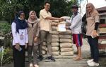 SSMS Berikan Bantuan Material Program Jamban Sehatke Warga Kelurahan Raja Seberang