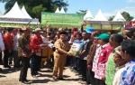 Gubernur Berikan Alat Pertanian kepada Petani Kalimantan Tengah