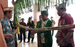 Kedatangan Ketua DAD Kalteng Disambut Tradisi Pantan Bahalai