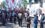 Buruh Sawit Demo di Depan Kantor Bupati Kotawaringin Timur