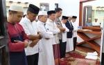Calon Jemaah Haji Murung Raya Gelar Salat Hajat di Rujab Wakil Bupati