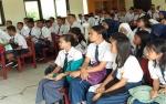 120 Siswa Baru SMAN 10 Palangka Raya Ikuti MPLS dalam Ruangan
