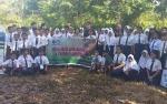 Relawan Lindungi Hutan dan Mahasiswa Asal Belanda Jadi Pemateri MPLS SMPN 2 Kapuas Hilir