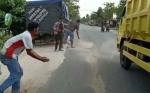 DPRD Soroti Ulah Oknum Sopir CPO Bawa Minyak Tercecer di Jalan