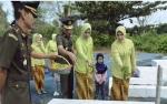 Kepala Kejaksaan Negeri Barito Utara Ziarah ke Makam Pahlawan