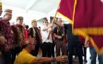 Ketua DAD Kalteng Lepas Peserta Napak Tilas Damai Tumbang Anoi