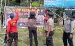 Polsek Dusun Selatan Pasang Spanduk Larangan Bakar Hutan di Titik Rawan