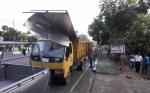 Satpol PP Tertibkan Baliho di Jalan Tambun Bungai Kuala Kapuas