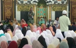 Ratusan Masyarakat Hadiri Tablig Akbar Bersama Ustazah Oki Setiana Dewi