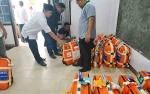 Kemenag Barito Utara Bagikan Koper Jemaah Calon Haji