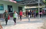 Camat Kapuas Hilir Apresiasi Babinsa Koramil Bantu TP PKK Latihan PBB