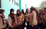 Bupati Kobar Menjenguk Korban Kecelakaan Rombongan Pramuka di RSUD Sultan Imanuddin