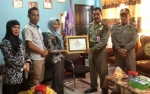 KPU Kapuas Berikan Penghargaan Kepada Stakeholder Dukung Sukseskan Pemilu