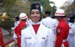 Sempat Grogi, Devitriani Berhasil Sebagai Pembawa Baki Bendera Merah Putih