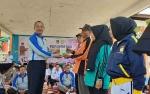 Pemkab Sukamara Salurkan Bantuan Kepada Lansia Sebagai Bentuk Dukungan