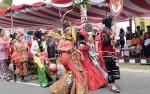 Bupati Sukamara Berharap Tahun Depan Peserta Pawai Pembangunan Tampilkan Kreativitas Sesuai Tema