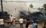 Api Kebakaran Kayu Galam Menjalar Hanguskan Sebuah Truk di Sampit