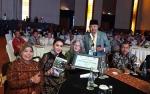 Prof DR Birute Mary Galdikas Raih Penghargaan dari MarkPlus.Inc karena Lestarikan Orangutan