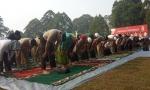 Ratusan Jamaah Ikuti Pelaksana Sholat Istisqo di Halaman Kantor Bupati Kobar
