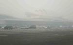 Jarak Pandang di Landasan Bandara Tjilik Riwut Hanya 300 Meter Akibat Kabut Asap