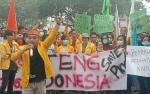 Mahasiswa Demo Depan Kantor Gubernur Tuntut Pemerintah Atasi Kabut Asap