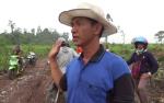 Kelompok Tani Meniti Fajar Padamkan Karhutla dengan Dana Swadaya