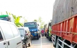 Kemacetan Parah di Desa Mintin Pulang Pisau Akibat Truk Rusak