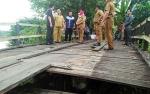 Bupati Barito Utara Meninjau Jembatan Jalan Keladan