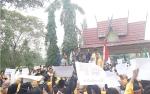 Video Mahasiswa Kotawaringin Barat Turun Ke Jalan Sampaikan Aspirasi