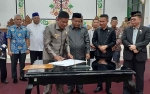 Pemkab Sukamara dan DPRD Tandatangani SK Dukungan Pembentukan Provinsi Kotawaringin