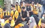 Aksi Demo Mahasiswa Untama Berjalan Tertib di DPRD Kobar