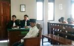 Laki-laki Ini Dituntut 18 Tahun Penjara karena Didakwa Jadi Perantara Jual Beli Sabu